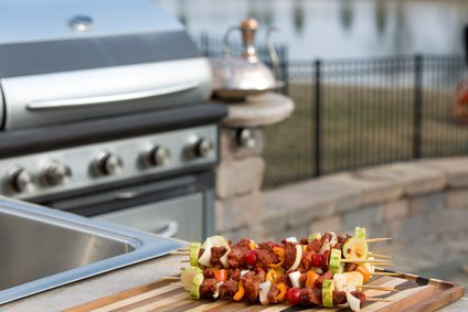 Beyond the Grill – Tips for Designing an Outdoor Kitchen